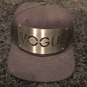 Accessories - Black vogue snapback